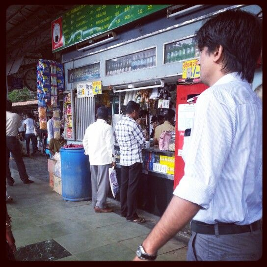 #Morning #breakfast at #railway #station #fast #food #stall on the #way to #work | #People #life #lifestyle #fashion #styles @ArtistryC.in.in #Traveller #Travelling #Train #Mumbai #India #Facebook #pinterest #instagram