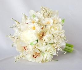 Very elegant all white wedding bouquet.