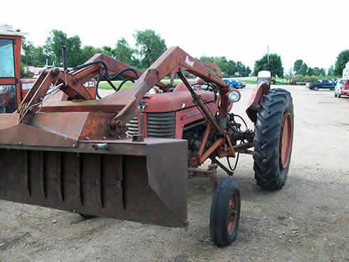 Massive Ferguson 35 Tractor : Massey ferguson tractor salvaged for used parts