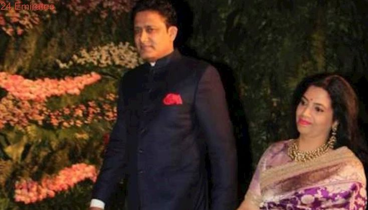 Twitter goes crazy as Anil Kumble attends Virat-Anushka reception