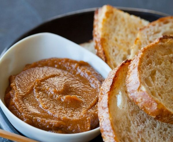 sütőtökvaj kenyeren 2.jpg