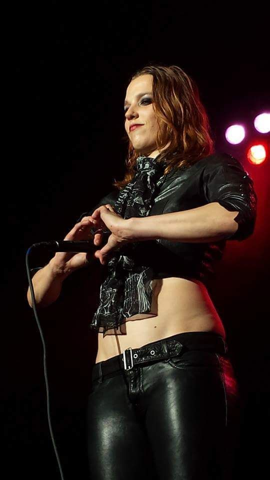 Lzzy HalePhoto credit to owner