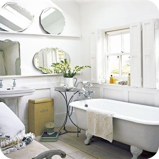 Vintage Bathroom Clawfoot Tub The Mirrors