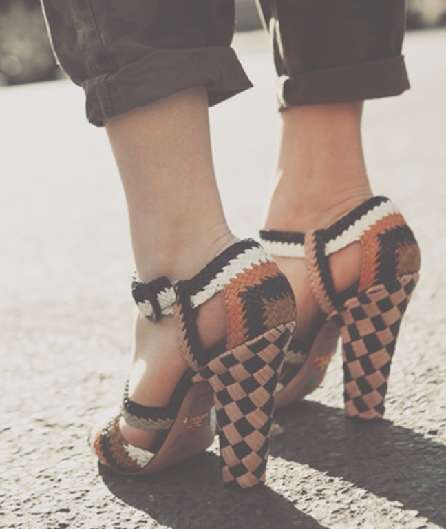 ♦: Shoes Girls, Fashion Shoes, Fashion Style, Girl Fashion, Shoes Fashion, Prada Shoes, Girls Fashion, Girls Shoes, New Shoes
