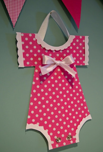 Baby shower ideas: Onesie Decoration, Showers, Life, Baby Shower Decorations, Baby Shower Ideas, Parties, Wall Decorations, Wonderland, Baby Shower