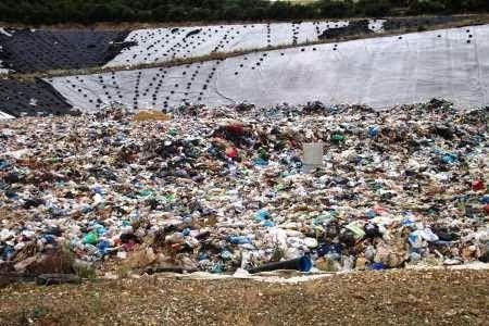 """""""Δράσεις"""" Οικολογία και Περιβάλλον: Απορρίμματα: """"πυροσβέστης"""" Τσιρώνης σε Μαυροράχη κ..."""