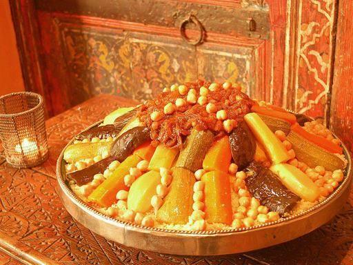 pois chiche, poivron rouge, courgette, Viandes, citrouille, oignon, chou, navet, tomate pelée, carotte, poivron