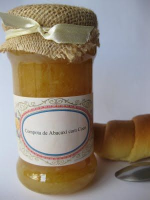 Compota de Abacaxi com Coco