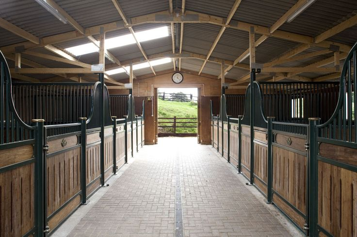 Bringing American style barns to the UK, we designed and built this aesthetically smart build for a client in North Yorkshire.