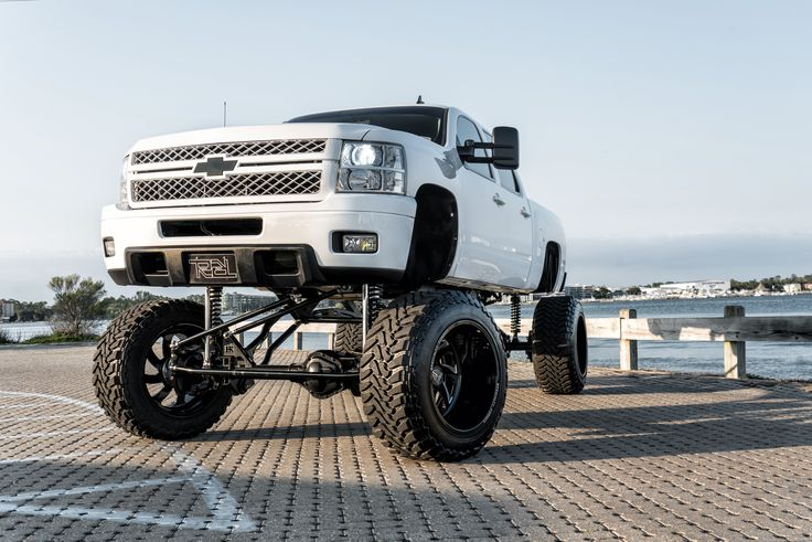 Chevrolet 2500   SF006 24X16   Photos by Dale Martin – SPECIALTY FORGED WHEELS