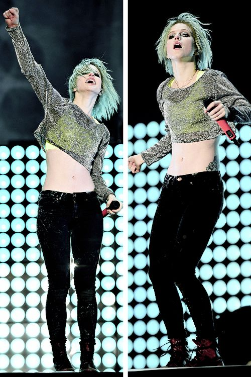 THIS. WHOLE. OUTFIT. GOOD. LAWD. Yeah, Hayley is a maj source of inspo for me. I love her, ride or die.