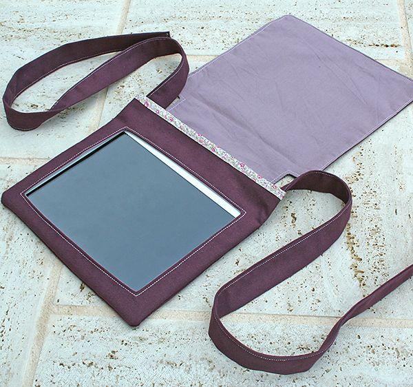 Pochette pour iPad à broderies OEIQ8A4