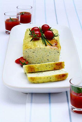 Terrina di ricotta con salsa di pomodori Una ricetta, semplice veloce e golosa, che si può anche preparare in anticipo