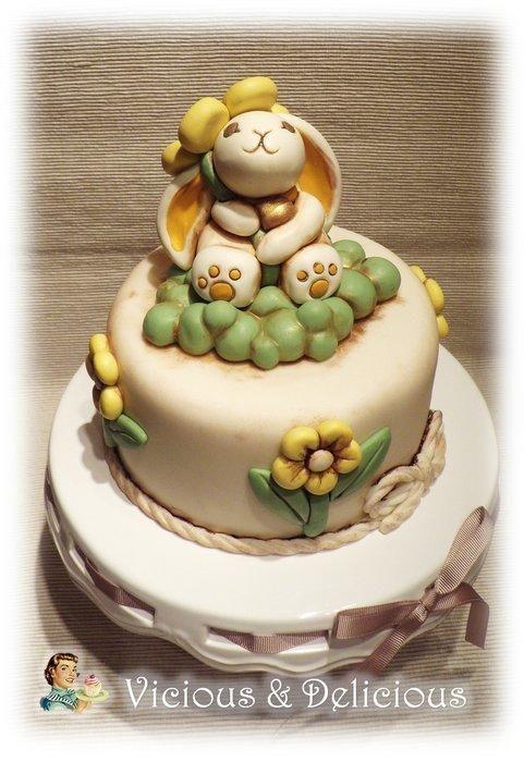 Bunny Thun - Cake by Vicious & Delicious by Sara Solimes