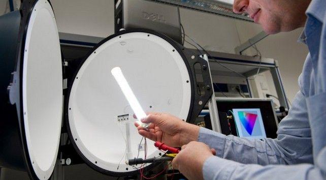 A világ leghatékonyabb meleg fehér fényű LED fénycsöve - PHILIPS TLED
