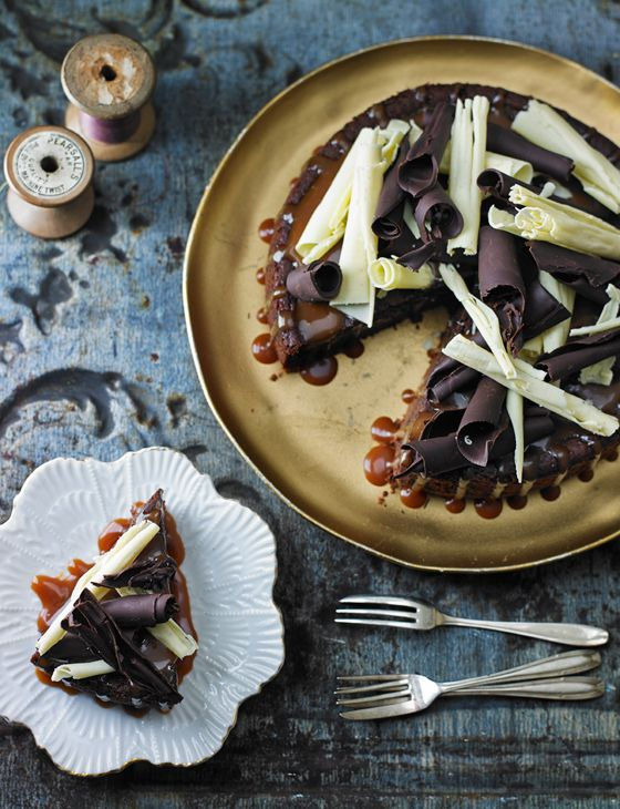 Chocolate cheesecake with salted caramel sauce