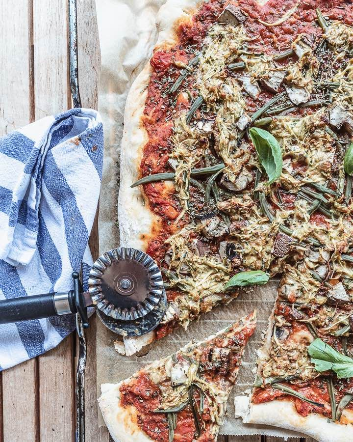 Veganen Pizzakase Selber Machen Leckeres Pizzarezept Allmydeer In 2020 Pizza Ohne Kase Pizza Rezept Veganer Kase Selber Machen