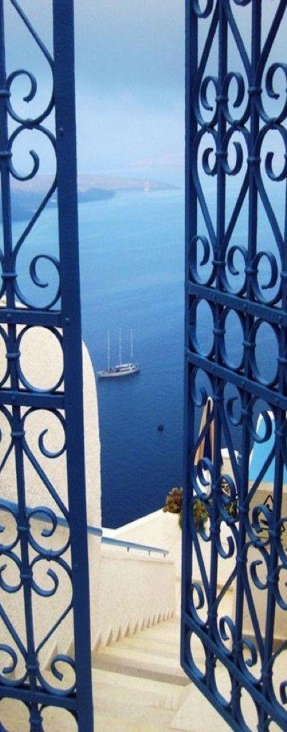 Santorini, Greece Open the door of your dreams <3 http://instylevillas.net/