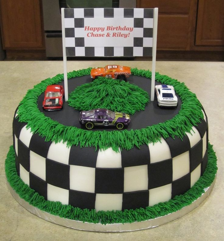 Race Car Track Birthday Cake Birthday Cakes In 2018 Pinterest