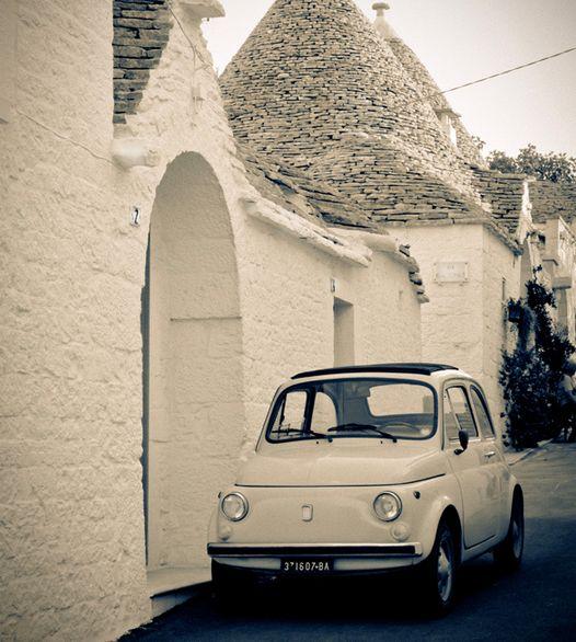 Deze waanzinnige leuke en eigenzinnige auto past zo bij mij, ik hou van reizen en de fiat brengt mij overal.