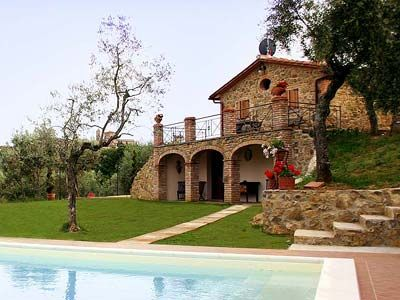 Villa Lilly is nestled among lush vineyards and olive groves on a landscape that blends the ancient with the new. http://www.ciaoitalyvillas.com/tuscany-vacation-rentals/arezzo/lucignano-villas/10252