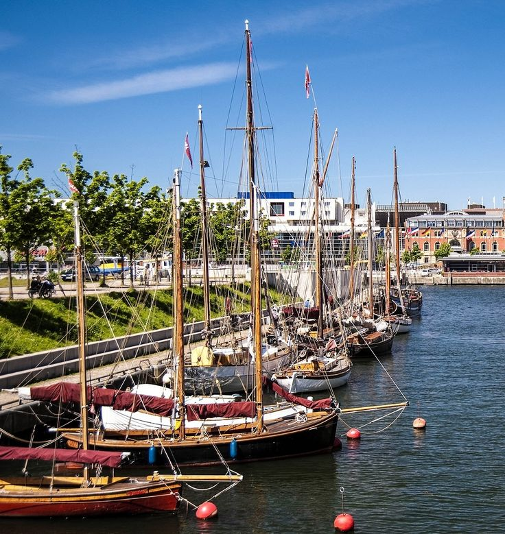 Mit diesen Kiel Tipps zeige ich euch, dass die Stadt nicht nur zur Kieler Woche allerhand zu bieten hat. Freut euch auf ein abwechslungsreiches Programm!
