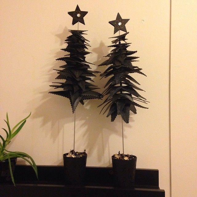 #ShareIG Hjemmelavet julepynt. Juletræer af cykelslanger #bonderosen #bonderosenjulen2014 #cykelslanger