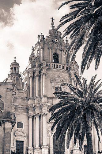 Ragusa. Sicily, Italy. Art, food, traditions and history by Luca Serradura. www.lucaserradura.com