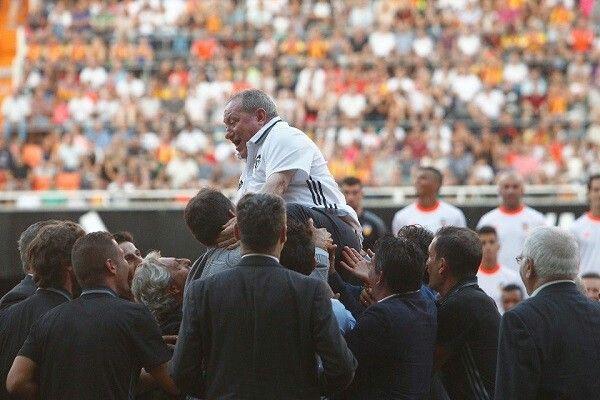 한 스페인 축구팀이 '55년' 직원을 보내는 방법