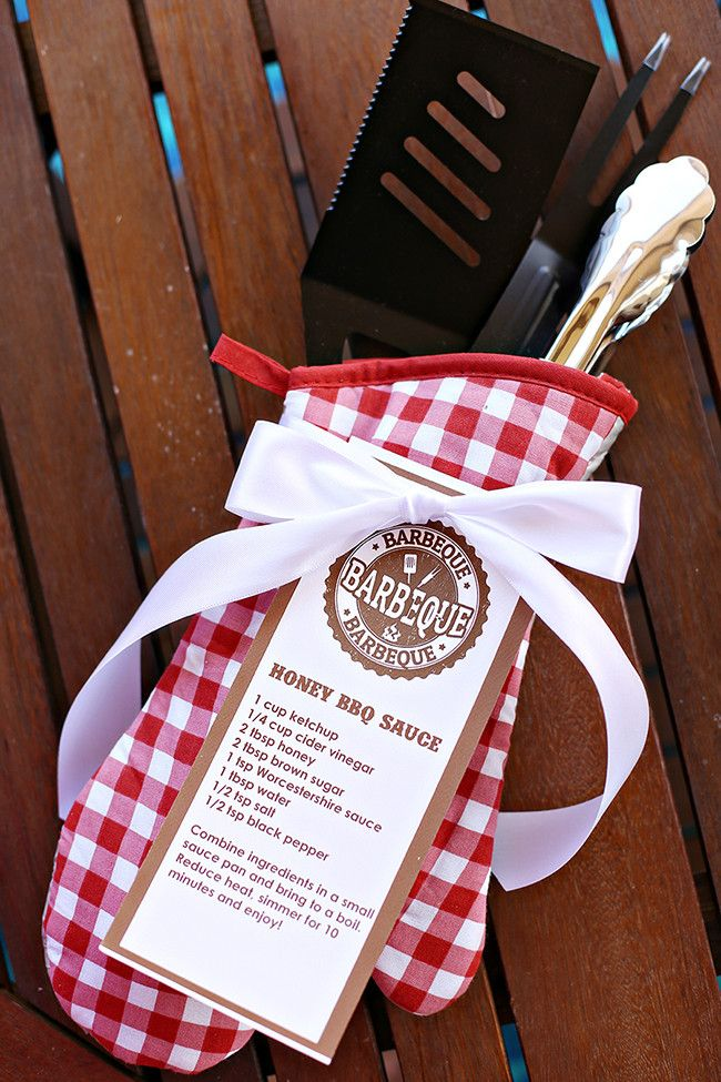 Project Time: 15 Minutes This BBQ gift idea will make the perfect housewarming or hostess gift! I found the mitt and BBQ utensils at the dollar store. With a few extra touches, you can turn…