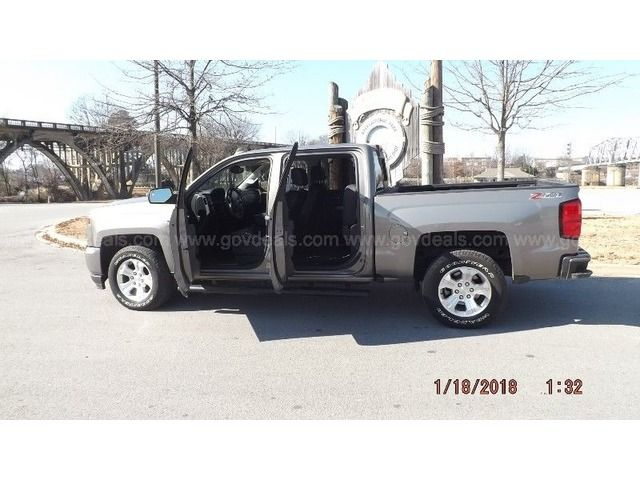 2017 Chevrolet Silverado 1500 LT Crew Cab Long Box - Trucks & Commercial Vehicles - Gadsden - Alabama - announcement-86382