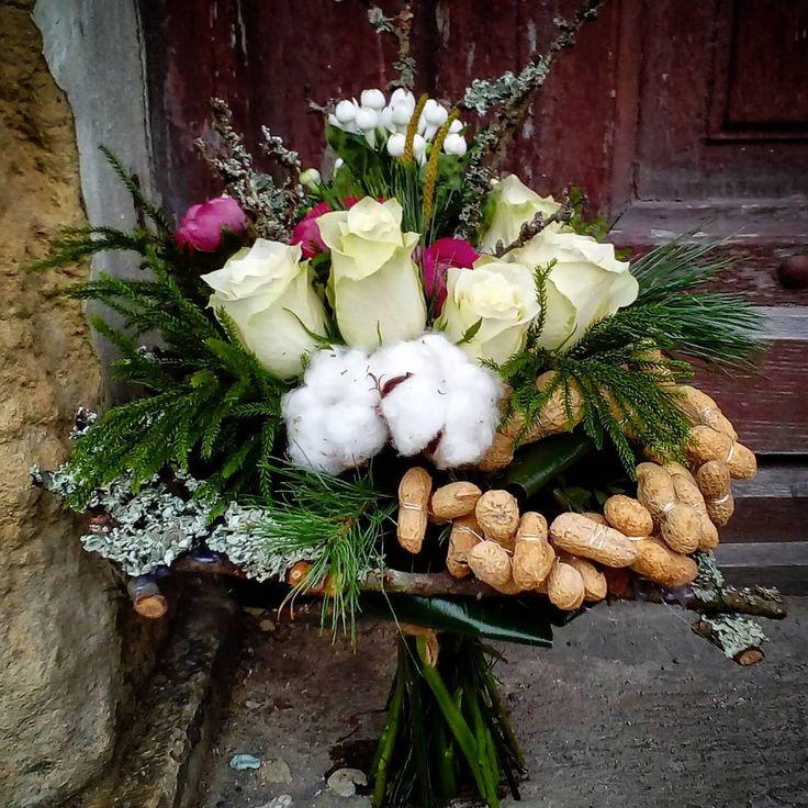 "69 aprecieri, 1 comentarii - Floraria Dorothy's (@florariadorothys) pe Instagram: ""Sweet 18! #flowergift #sweet18 #birthday #flowers #clujlife #cluj #clujnapoca #clujcenter…"""