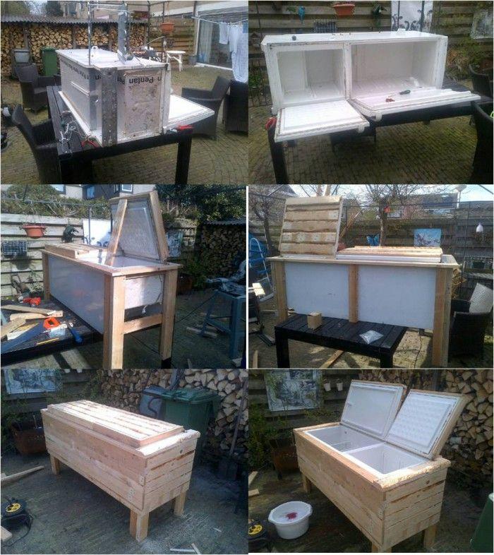 Koelbox voor in de tuin. Gemaakt van een oude koelkast en pallethout.