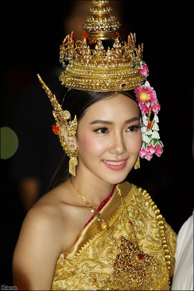 Creative Thai Women And Thai Dress   Taew Natapohn   Thai Style Dress