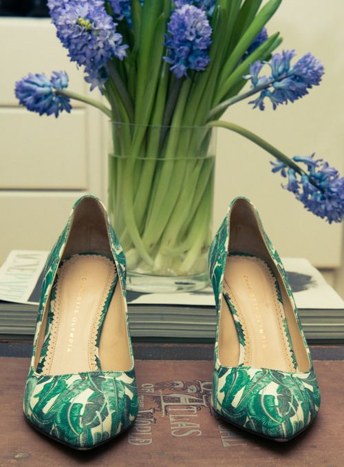 charlotte olympia: Green Shoes, Botanical Prints, Chuah Coveteur, Palms Prints, Summer Heels, Beautiful Shoes, Cool Shoes, Floral Heels, Charlotte Olympia Shoes