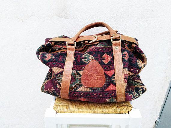 Mira este artículo en mi tienda de Etsy: https://www.etsy.com/es/listing/592676860/vintage-leather-bag