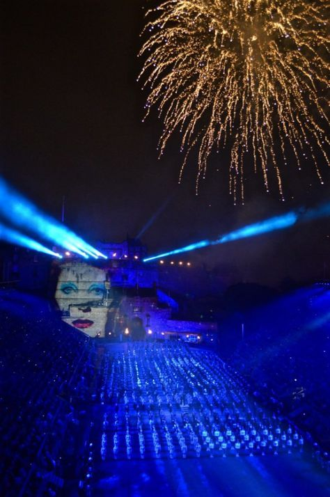 A Quick Guide to Edinburgh's Festivals in August - Migrating Miss