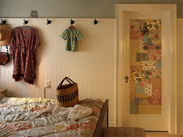 This door decoration by Alicia from Posie Gets Cozy is to die for! Quilt lovers & 56 best Posy Gets Cozy images on Pinterest | Getting cozy Bedroom ... pezcame.com