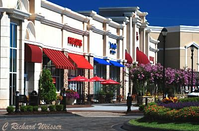 shopping in newnan georgia is more like a walk in the park