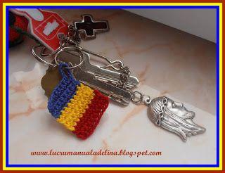 lucru manual adelina: Breloc crosetat Tricolor Romania