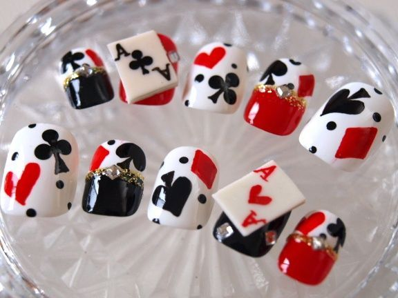 72 best vegas nails images on pinterest nail designs fabulous queen of hearts nails prinsesfo Choice Image