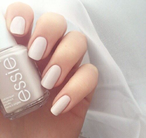 Ongle cocooning essie