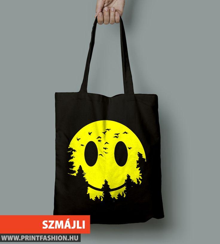 🙂 SZMÁJLI EMOJI 🙂 Egyedi mintás vászontáska, póló, pulcsi, párnahuzat! WEBSHOP: 👉https://printfashion.hu/mintak/reszletek/szmajli-hold/vaszontaska/