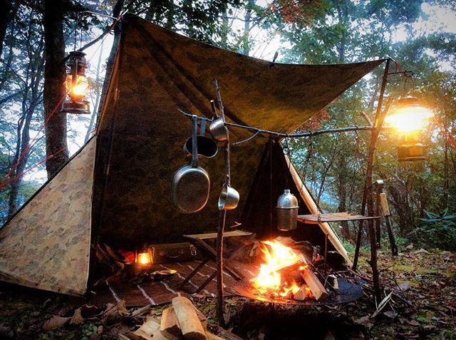 #アウトドア #キャンプ #焚火 #焚火台 #焚火ハンガー #パップテント #シェルターハーフ #ビンテージランタン #キャンティーン #メスキットパン #ブッシュクラフト #outdoor #camping #bonfire