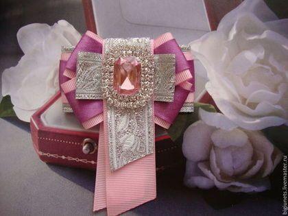 "Брошь-галстук ""Розовый кварц"""