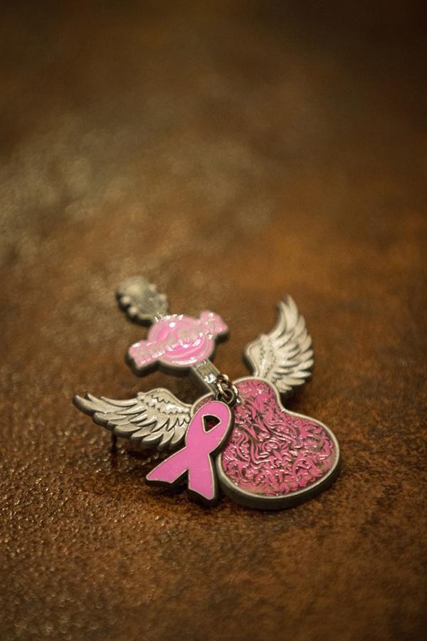 Pinktober Guitar pin