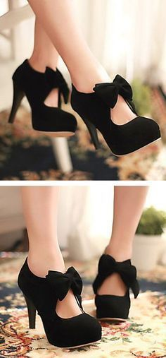 Adorable bow heels <3                                                                                                                                                                                 More