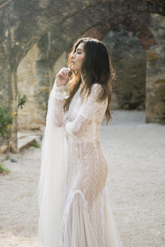 1be9663f942 Spanish Lace and Old World Elegance Wedding Inspiration – Szu Designs 16
