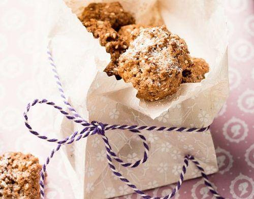 Backe leckere und knackige Kekse aus Dinkelvollkornmehl mit der fruchtigen Süße von Feigen.