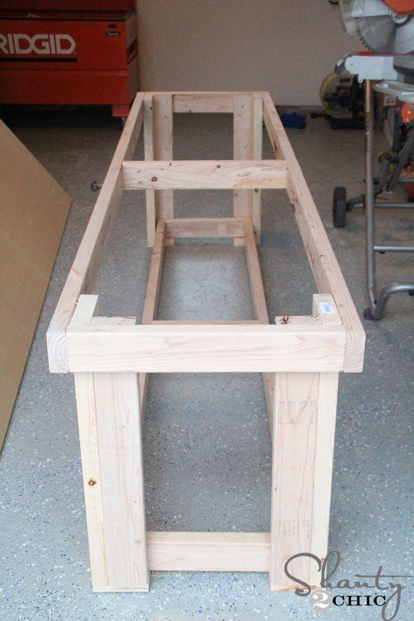DIY Workbench - Free Plans #WoodworkingPlans